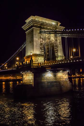 _DSC0236.jpg - Budapest Bridge at night.
